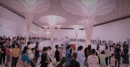 こんなに並んでいる沖縄県民をワタシは見たことがない。